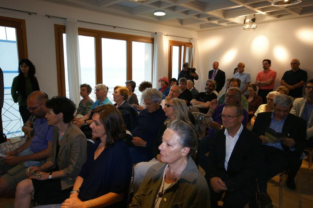 Tra il pubblico e i poeti