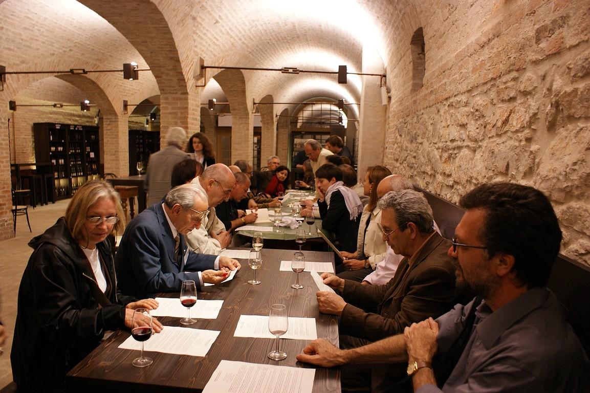 Incontro dei poeti nella Cantina della Tenuta Ca' Cornianiper la firma del Manifesto di Caorle