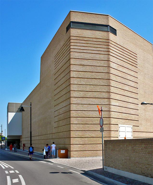 Centro Culturale ex-Bafile (arch. Giorgio Macola)