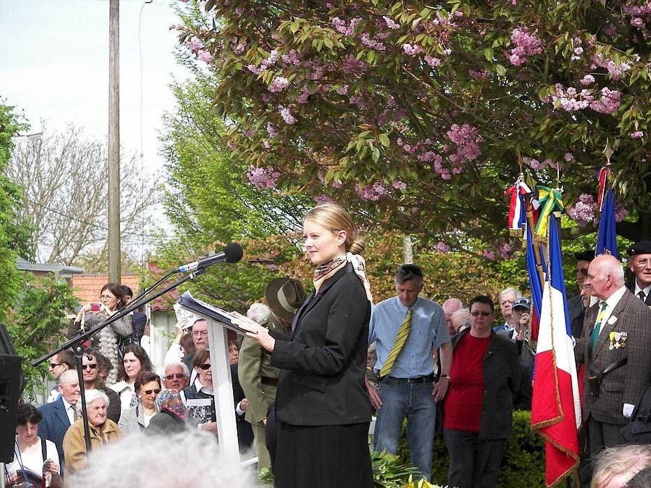 Mme Elise de Rouville de l'Ambassade d'Australie en France (Maitre de Cérémonie)