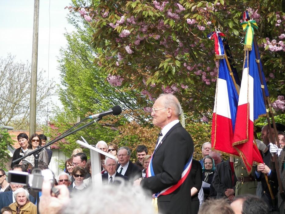 M. Jules Laude, maire de Bullecourt