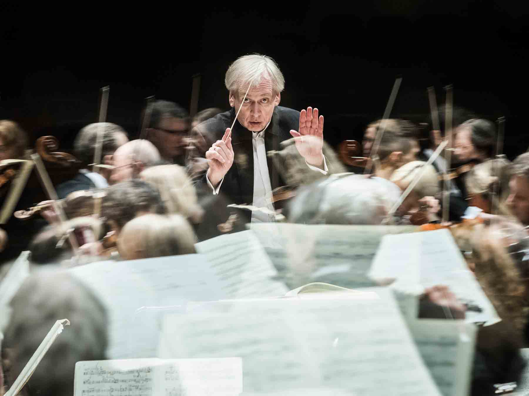 Lithuanian State Symphony Orchestra, Conductor Gintaras Rinkevičius