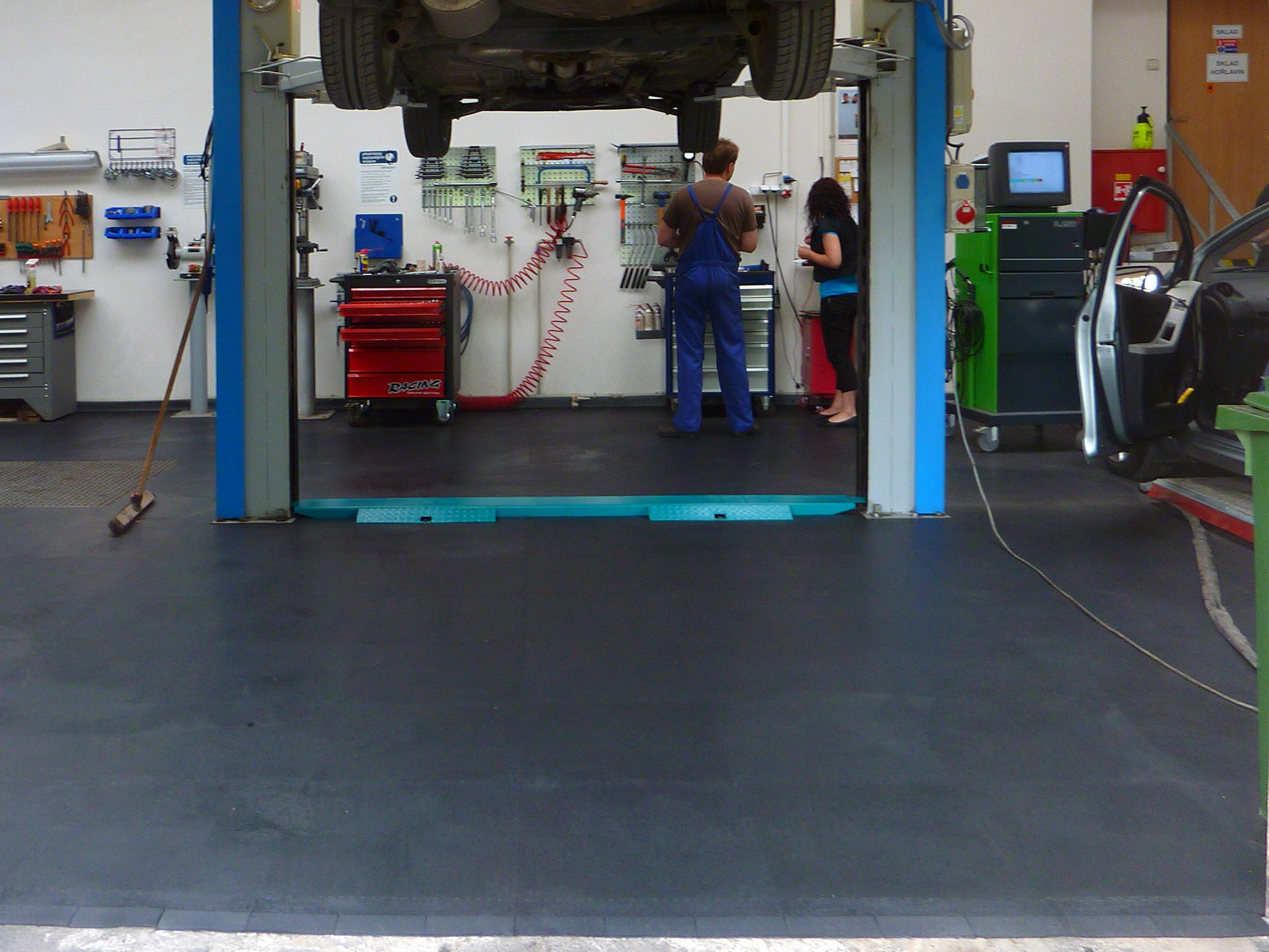 Fußbodenbelag Werkstatt ~ Fußbodenbelag werkstatt welchen bodenbelag für die werkstatt