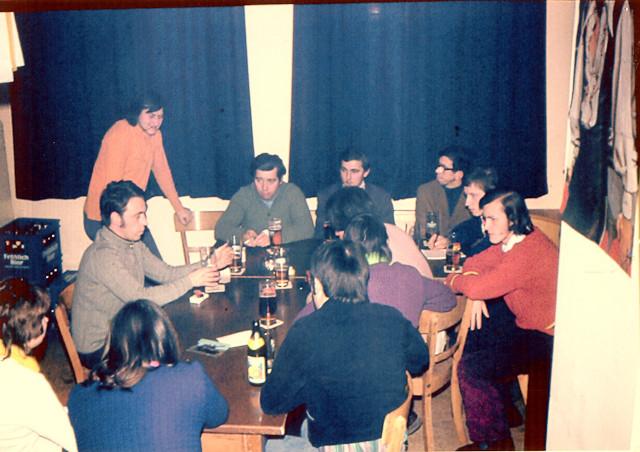 """Besprechung in unserem """"alten Club 72 Raum"""""""
