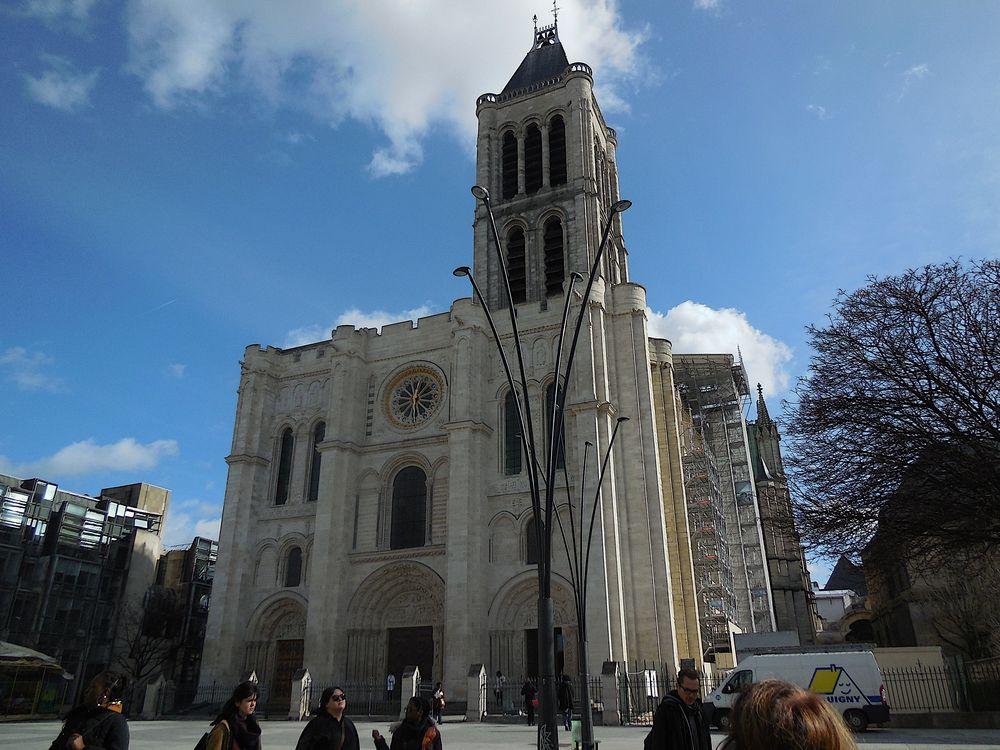 Basilique de Saint-Denis façade, 13h