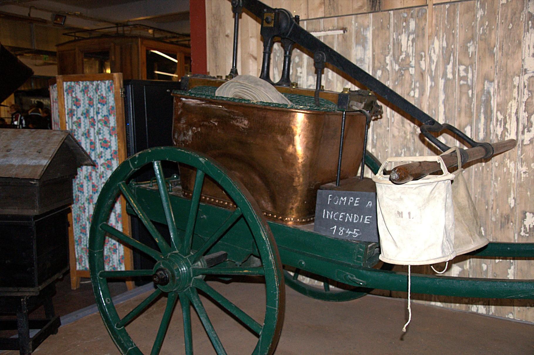 La pompe à incendie, avant l'invention des pompes à moteur