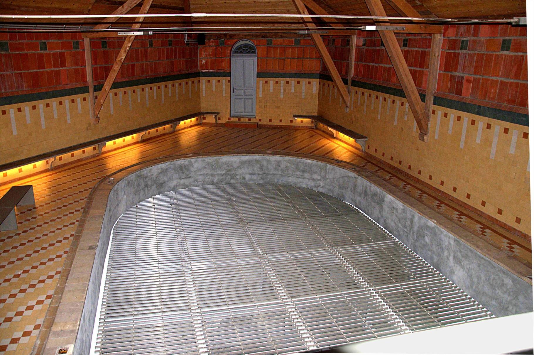 Le bassin de 50 m² doté d'un fond de hauteur variable