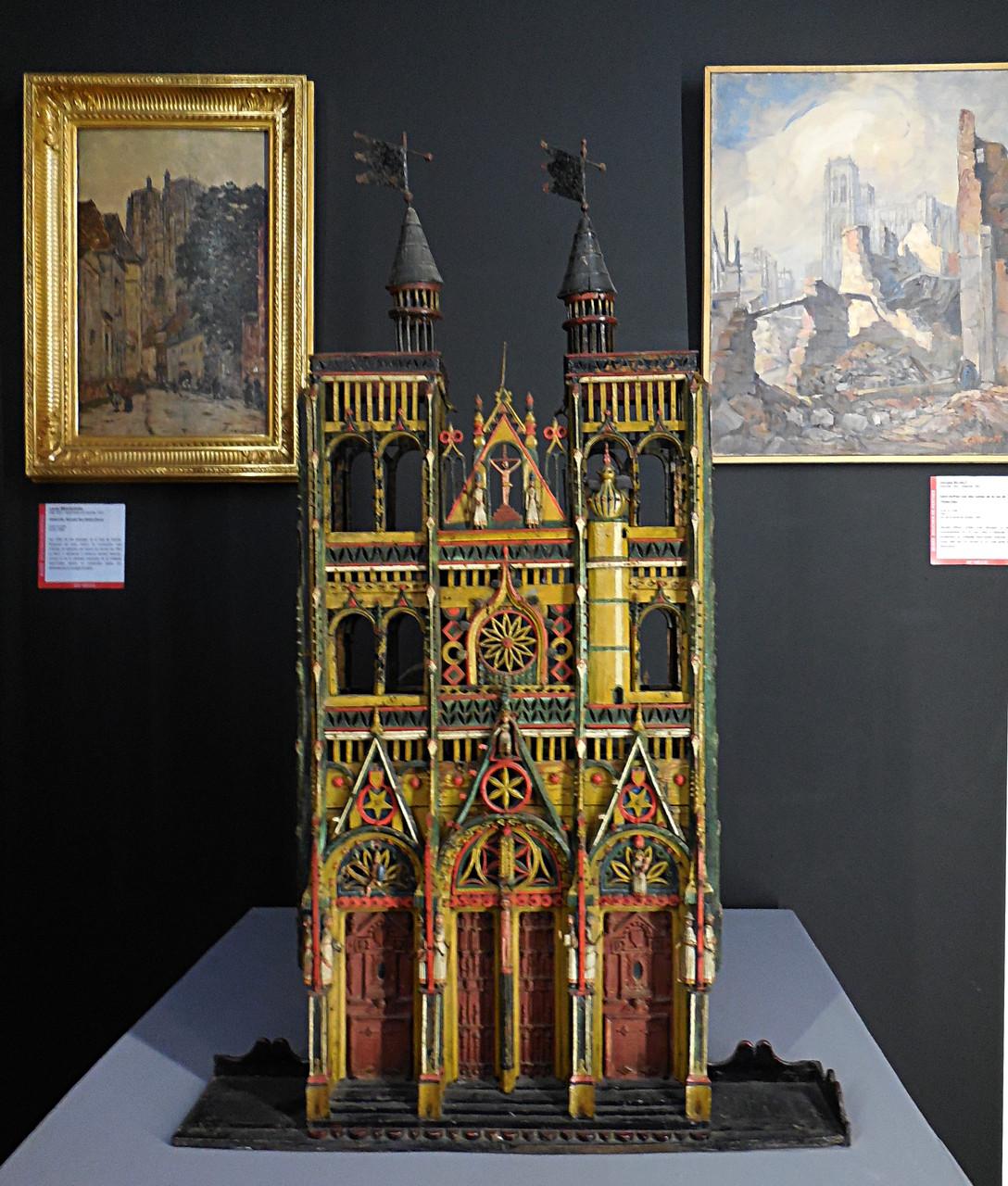 Cage à oiseau XIXe représentant Saint-Vulfran / Musée Boucher-de-Perthes, Abbeville / photo JH