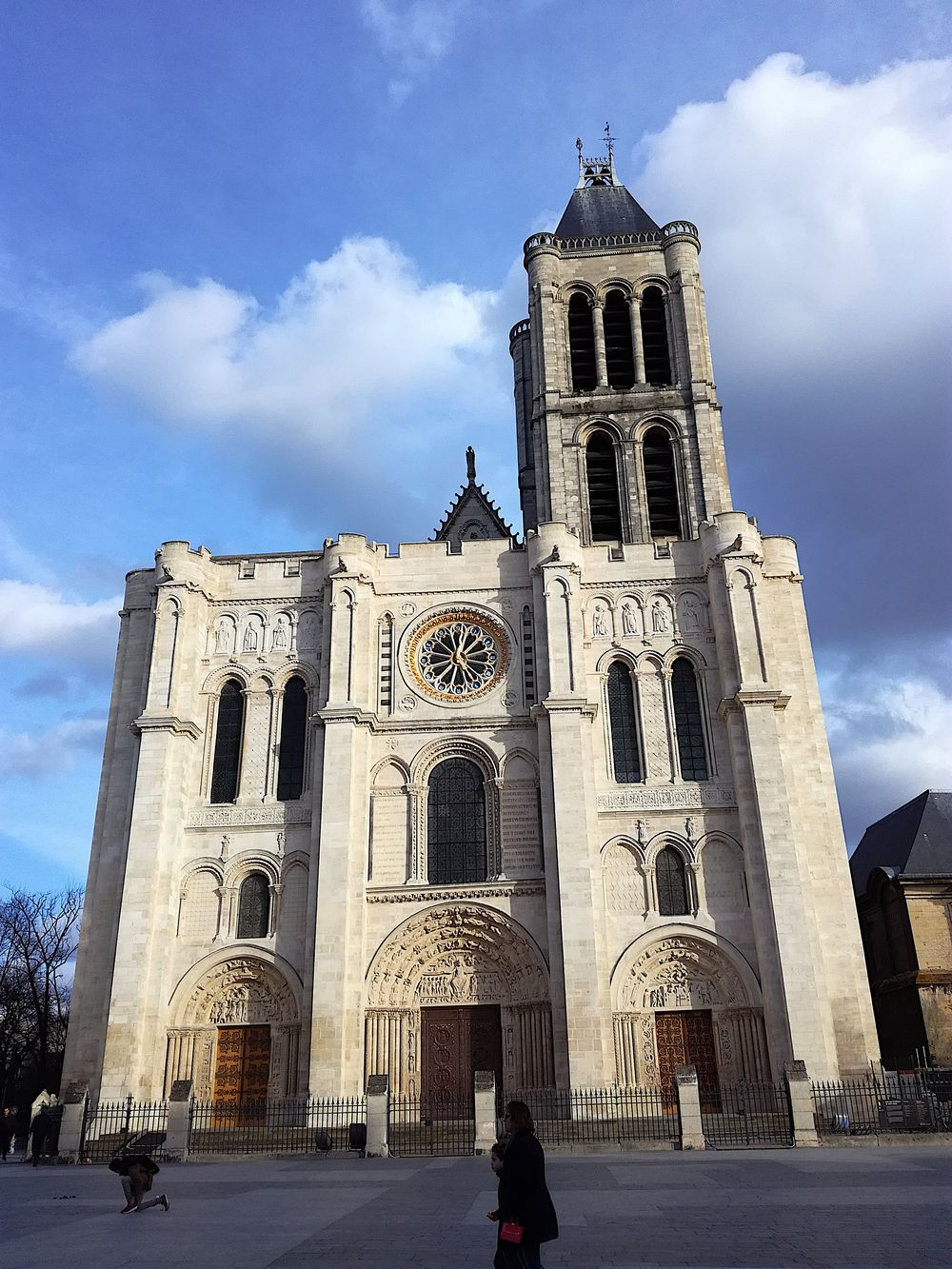 Basilique de Saint-Denis façade, 17h