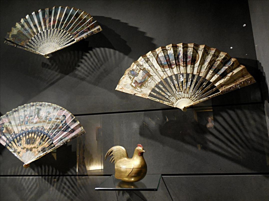Quelques éventails, Paris, 1776-1800, gouache sur papier, nacre, ivoire etc