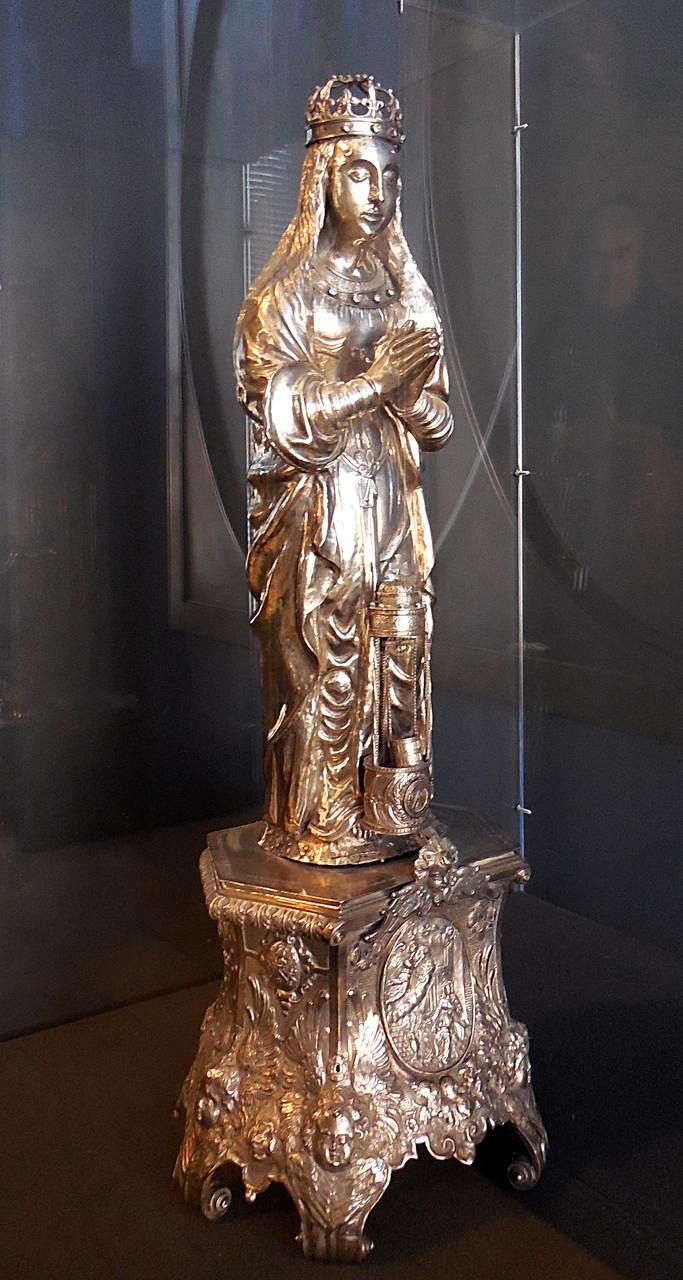 Vierge de la confrérie Notre-Dame-du-Puy, 1568, base XVIIe s, argent / Musée Boucher-de-Perthes, Abbeville / photo JH