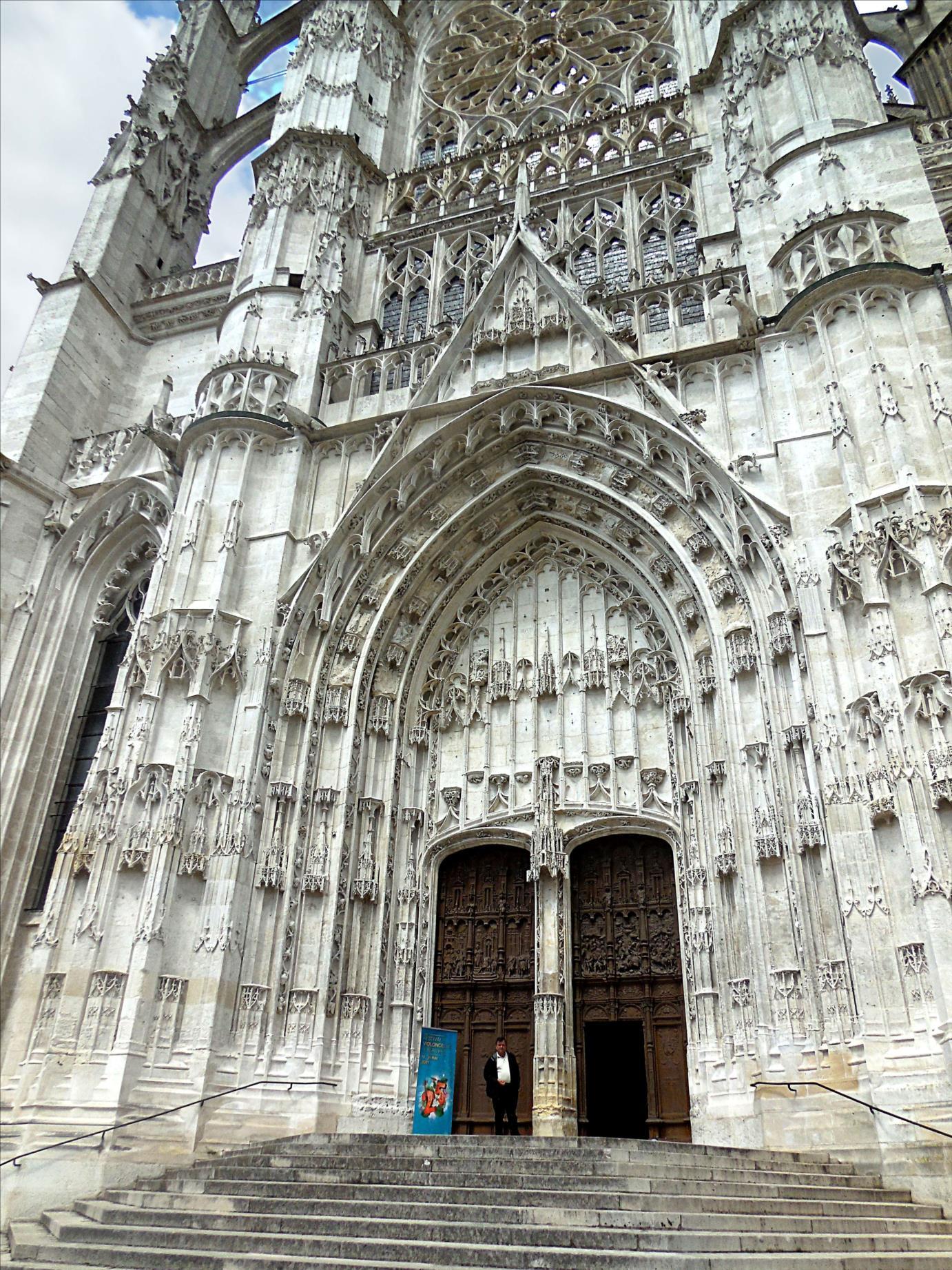 Cathédrale Saint-Pierre, portail