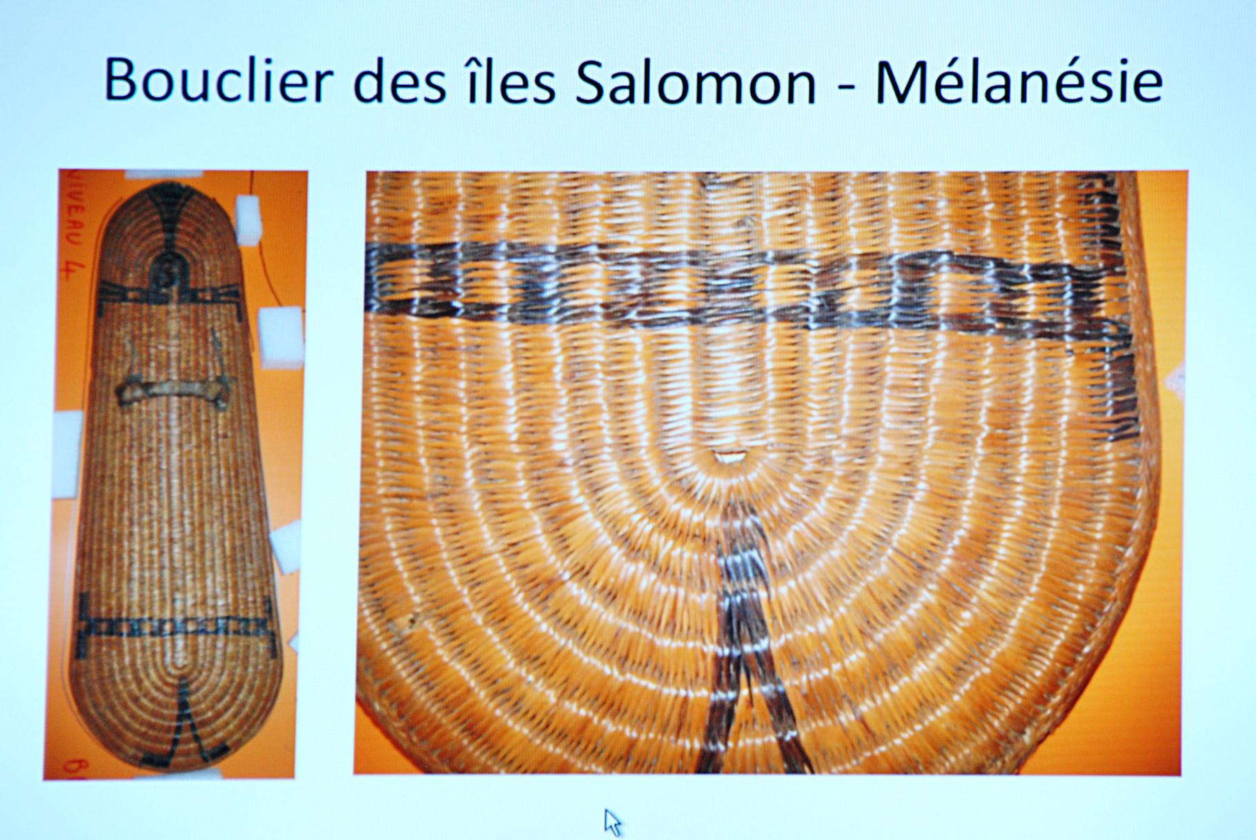 Panoplie océanienne, panneau de présentation, Musée Boucher-de-Perthes, Abbeville / Photo Y. François