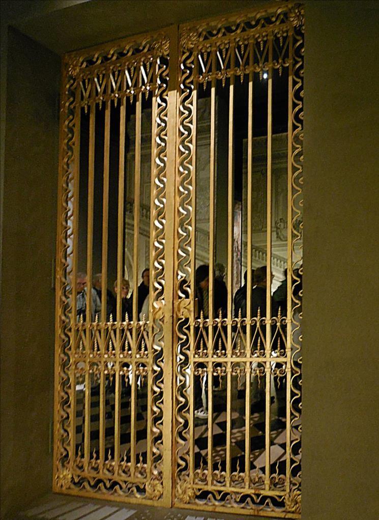 Grille de la salle des Hoquetons, Nicolas Delobel, vers 1672, fer forgé et doré