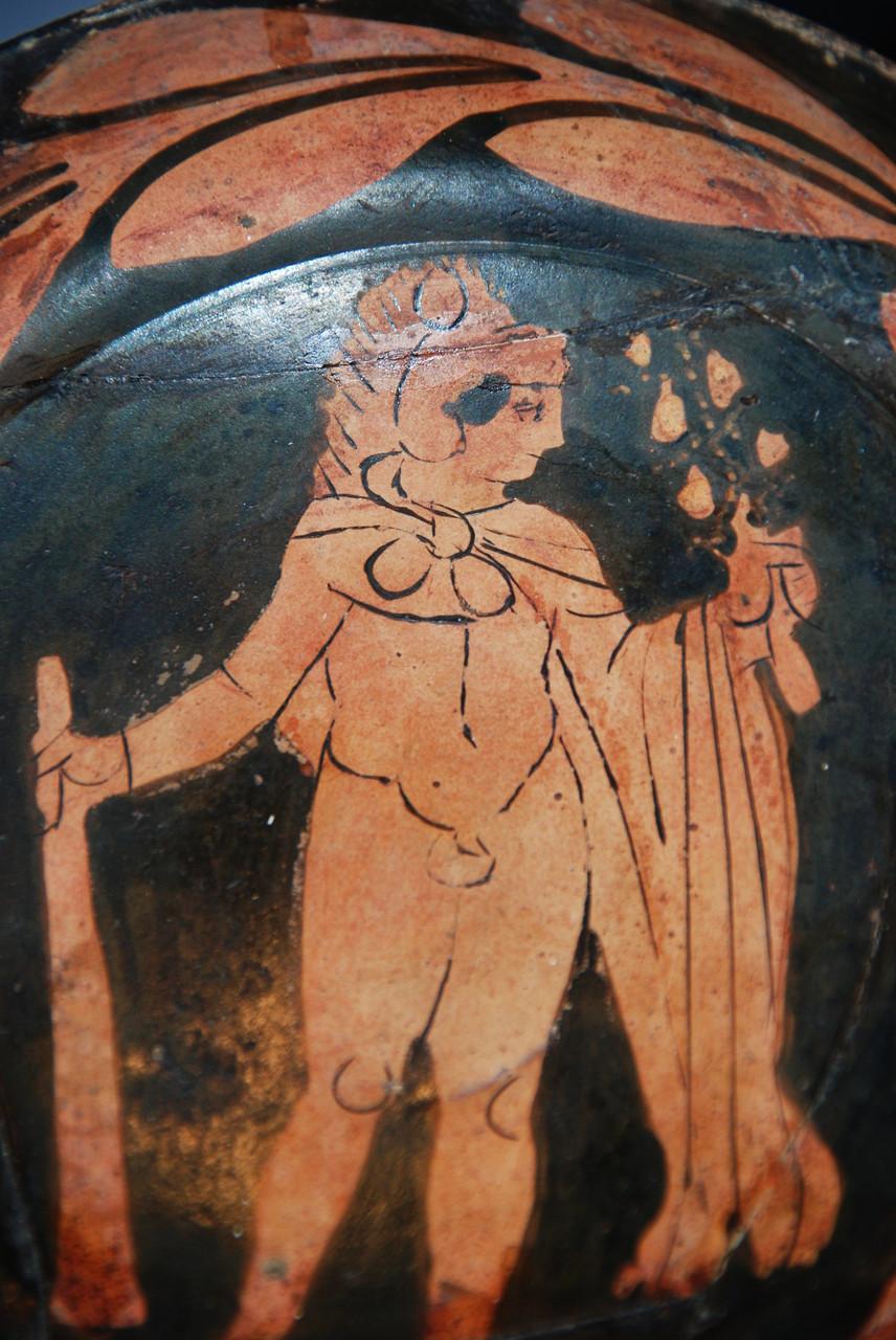 La figure d'Hercule est entourée d'une double couronne de laurier / Photo Y. François