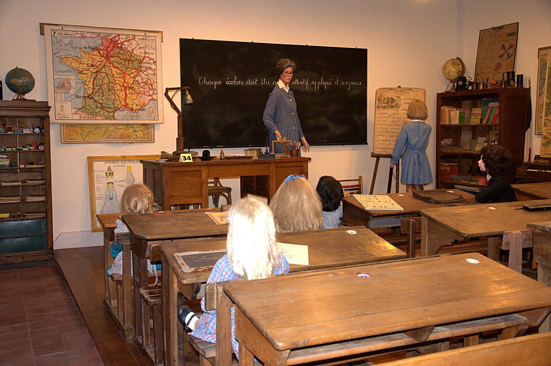 Le décor de la classe est resté quasiment identique jusqu'aux années 1960
