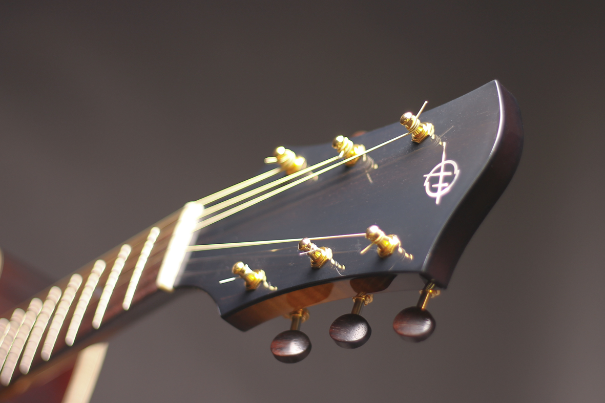 Headstock with rosewood tuners