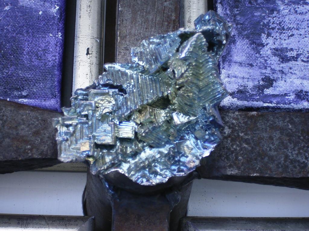 Detailansicht Wismutkristal