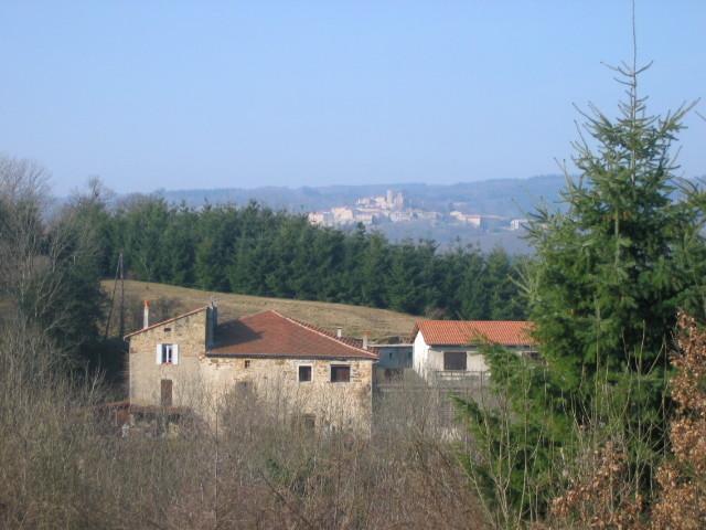 Située sur la commune d'ALBOUSSIERE, à 600m d'altitude