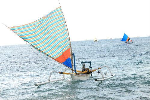 Partir avec un pêcheur en bateau traditionnel