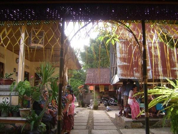 La maison a ete decoree pendant la ceremonie