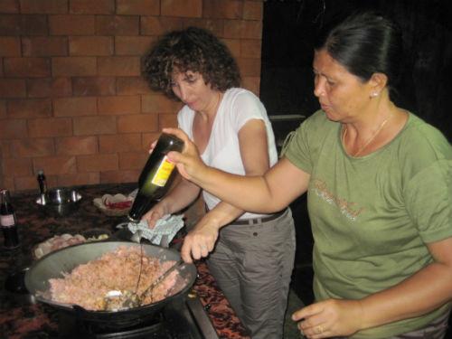 Préparation  du repas avec l' habitant