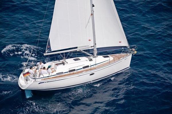 """""""Chakra"""" Bavaria 33 Cruiser"""