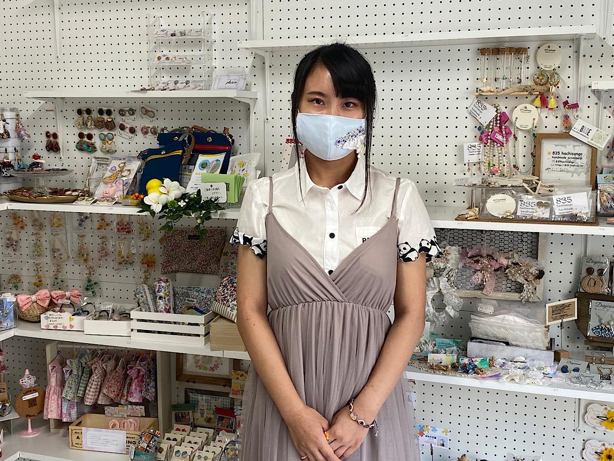 津田沼駅北口近くに「ハンドメイド雑貨のお店・ふるれっと」、作家100人ほどのハンドメイド作品が並ぶ