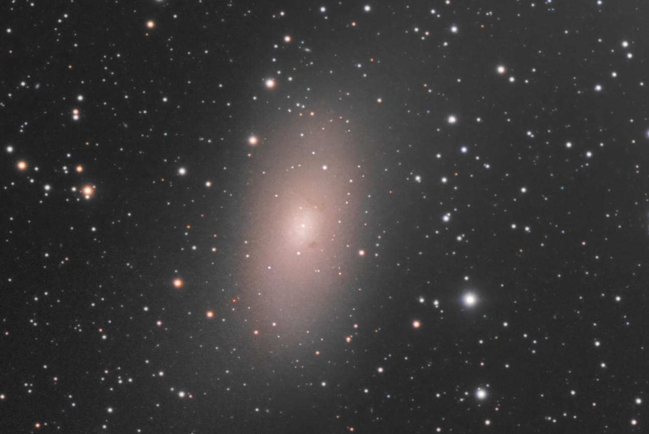 Il y a même des détails dans M110, une galaxie satellite...