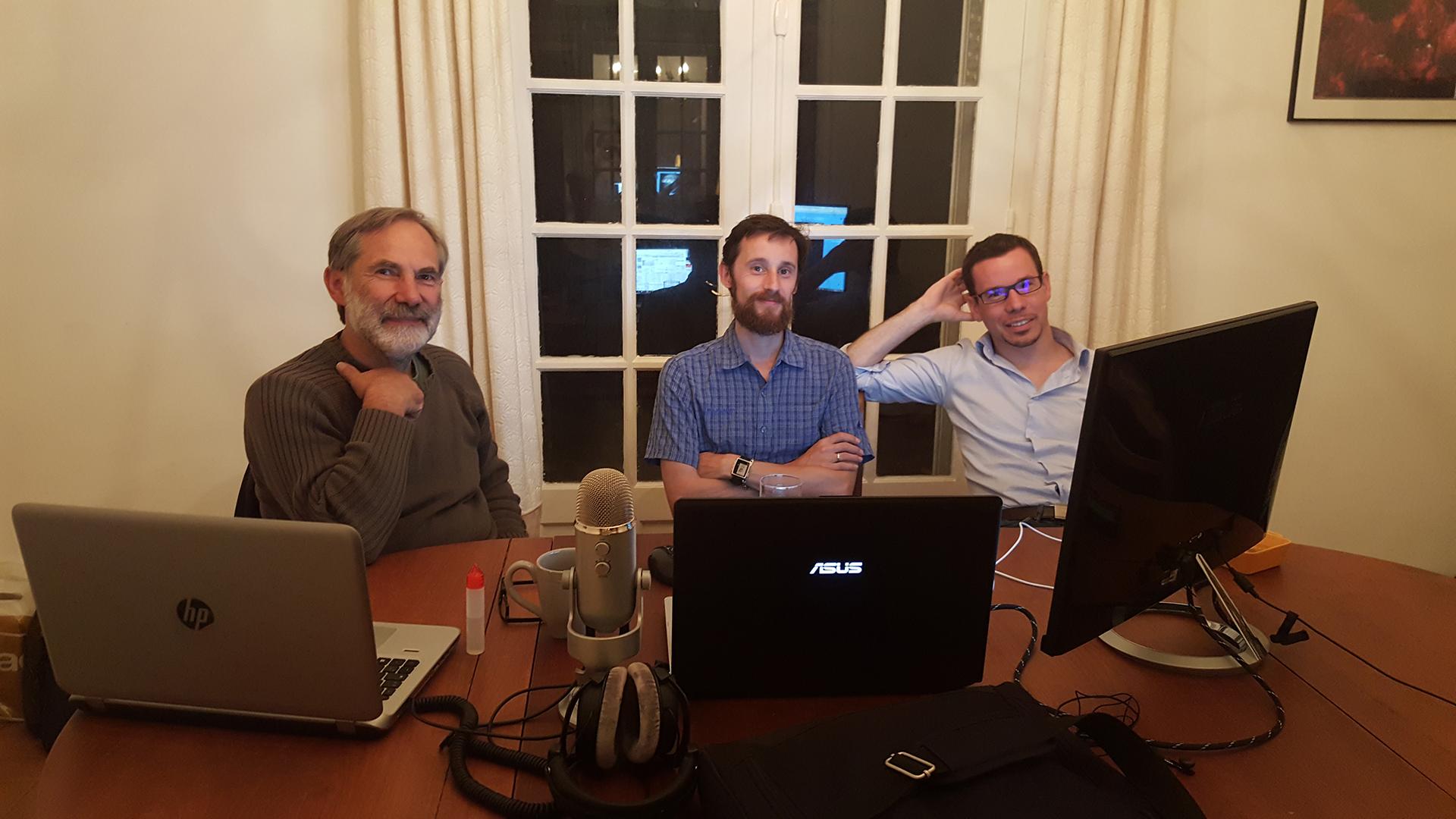 L'équipe à distance pour tester et régler les paramètres : Gilles, Nicolas, David