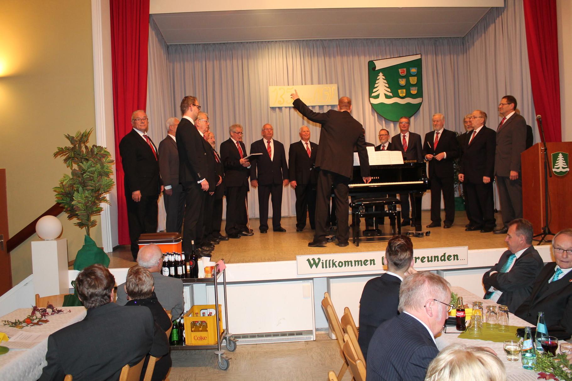 """Unser Chohrleiter stimmt uns auf """"135 Jahre"""" MGV Bermbach ein!"""