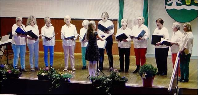 """Sängerinnen des Gesangvereins """"Bermissima Frauenchor Bermbach"""""""