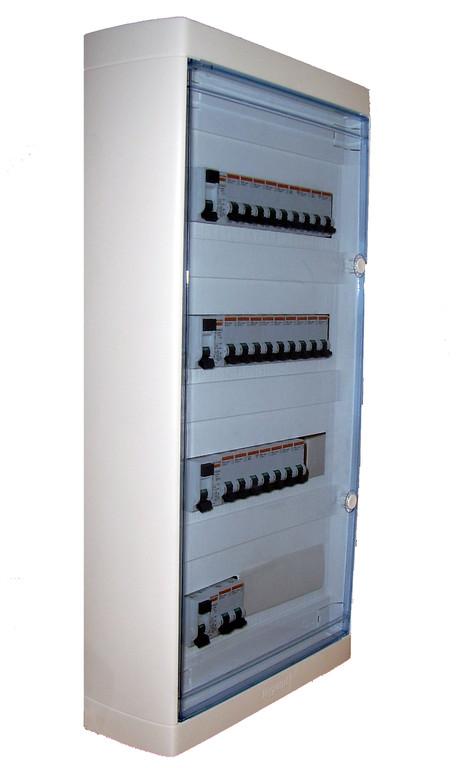 coffret comprenant interrupteurs différentiels et disjoncteurs