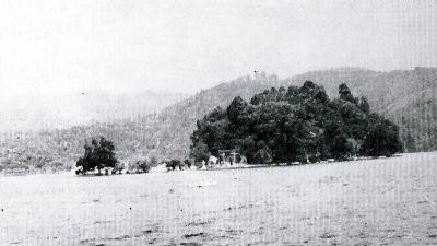 1964年当時の、野尻湖・弁天島