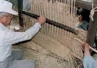 筵づくり:Making a straw mat