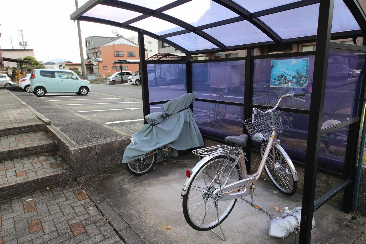 屋根付きの駐輪スペース