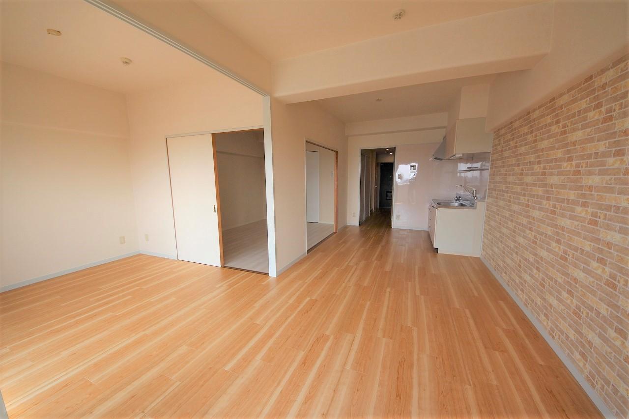 床、壁紙も常にきれいにしてあり、気持ちよく住んで頂けます