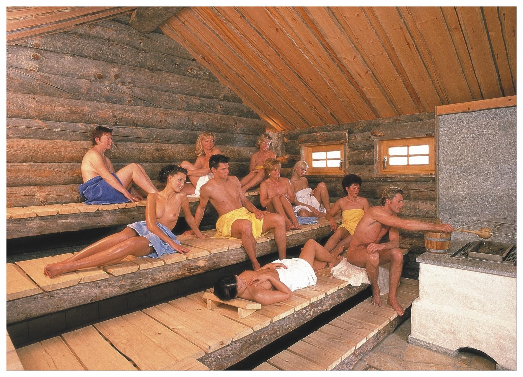 Finnische Kelosauna (Blockhaussauna) aus original finnischen Kelostämmen bei ca. 95 °C
