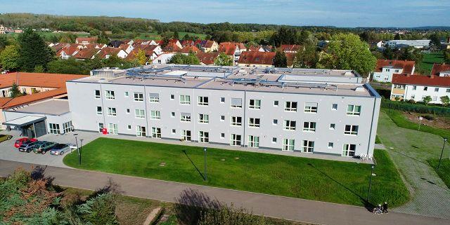 """Heute wird bei den Barmherzigen Brüdern in Rilchingen-Hanweiler das Haus """"St. Oranna"""" eingeweiht. Es hat 11 Millionen Euro gekostet und bietet 92 Bewohnern Platz."""