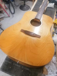 guitare acoustique après vernis