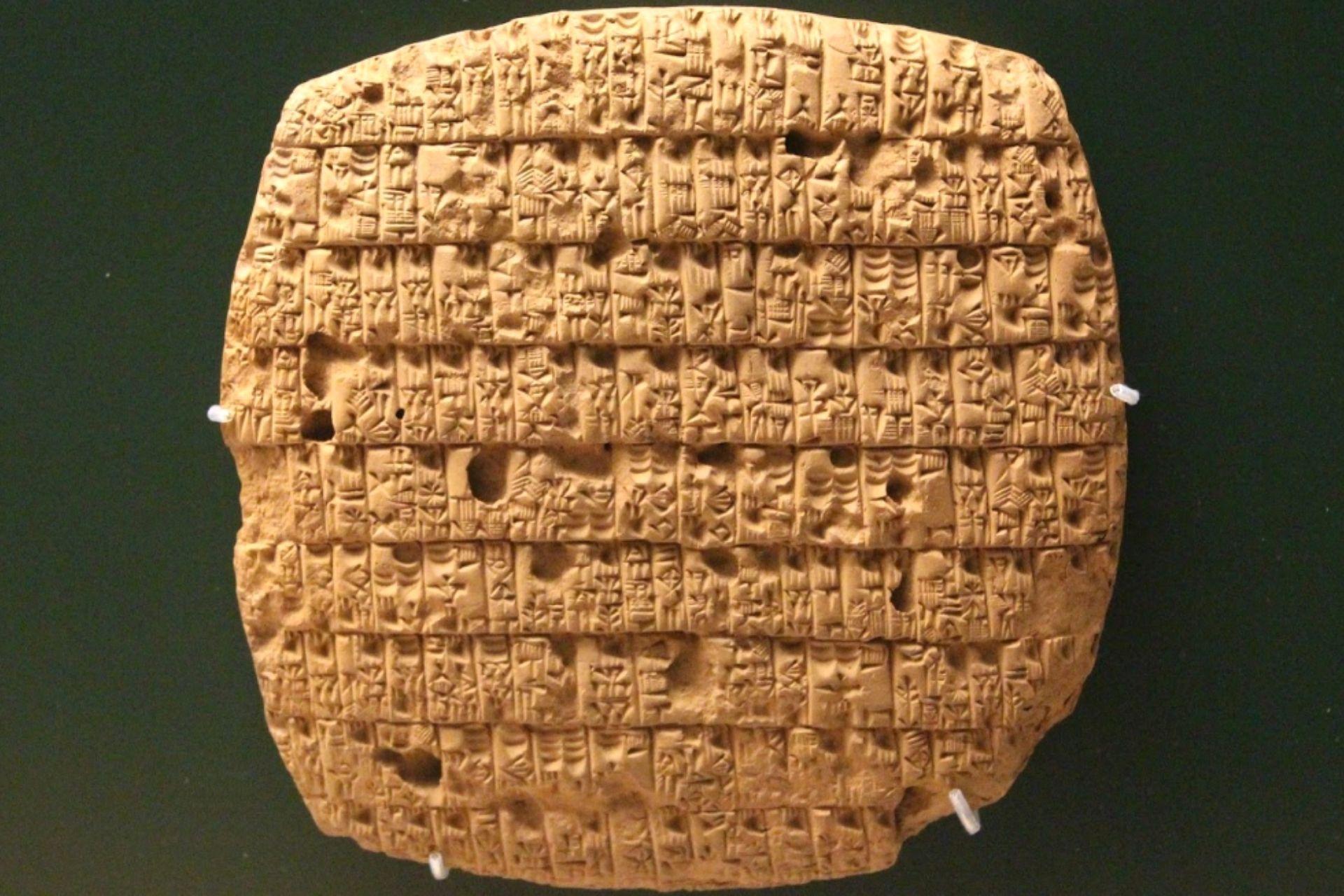 Connessioni Culturali: scrittura cuneiforme sumeri
