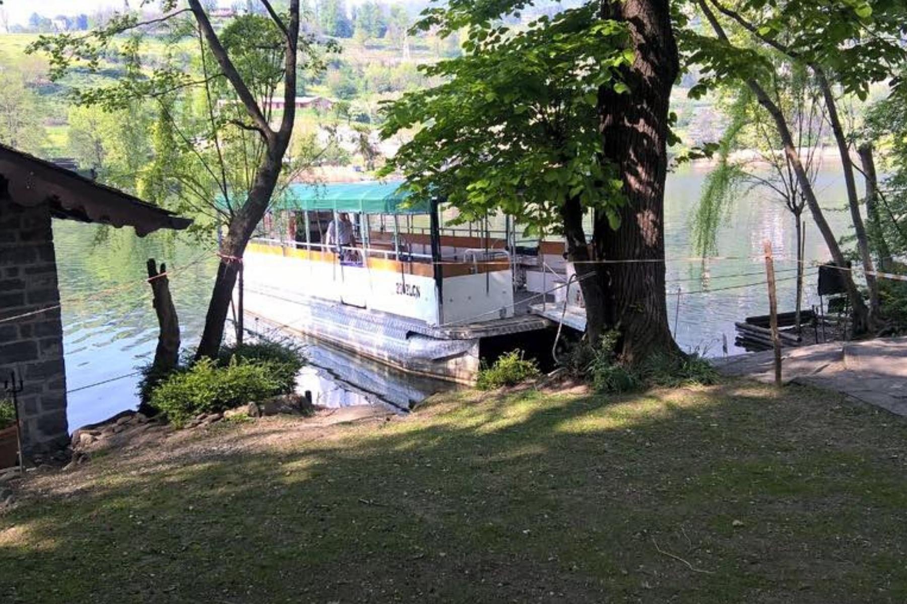 L'Isola dei cipressi e il Lago di Pusiano