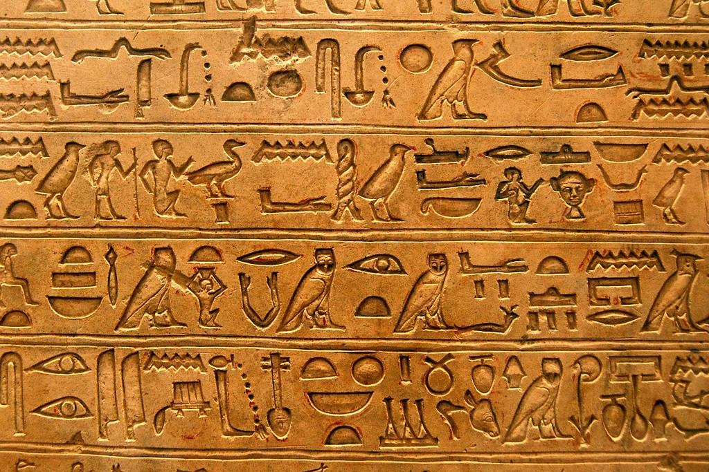 Connessioni Culturali: scrittura egizia geroglifici