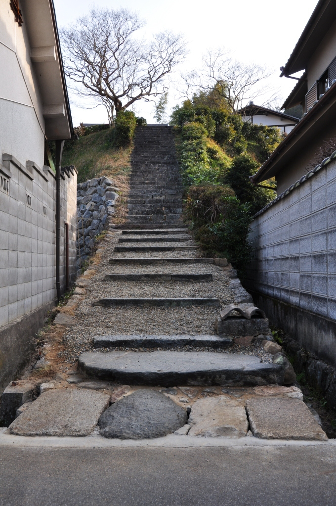 2012年1月 石段の改修完成