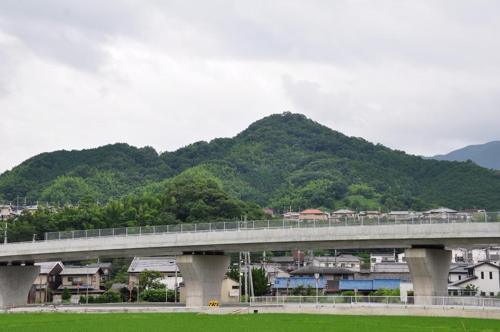 外鎌山(忍坂山、この角度からは朝倉富士とも)