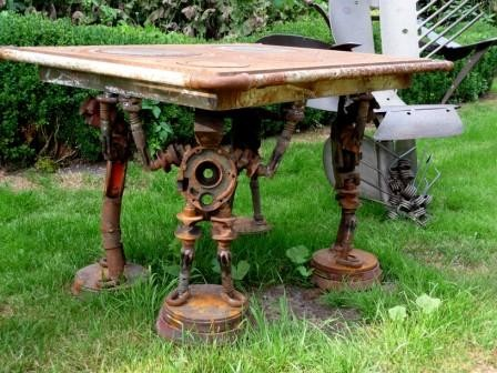 Tisch aus einer Küchenhexe