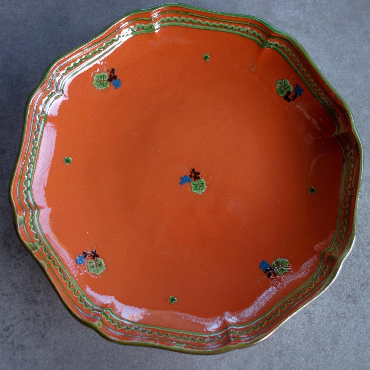 Les assiettes (gamme classique rouge)