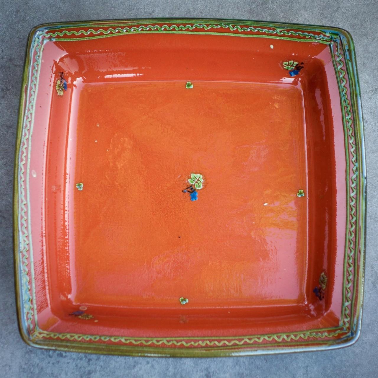 Les assiettes (creuse gamme carré rouge)