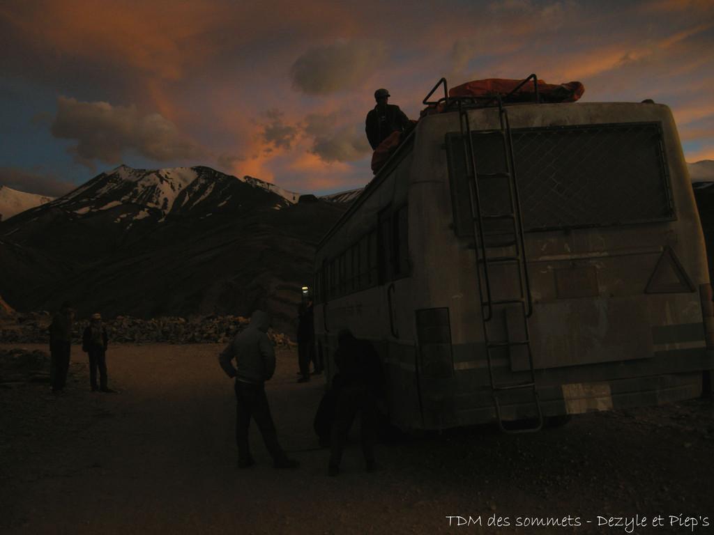 Route vers Leh et crevaison