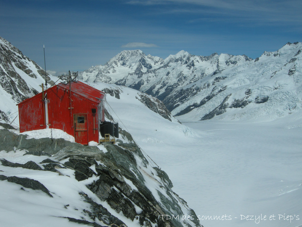 Tasman saddle Hut